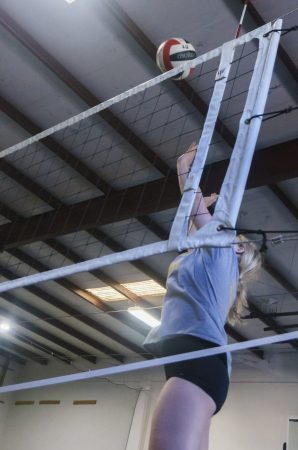 May 2019 volleyball Training Session - Kansas City north's Eclipse Volleyball Club KC - 16u hitting over net